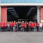 Les employés de Prefabrik Yapı ont reçu Leur Plaquette
